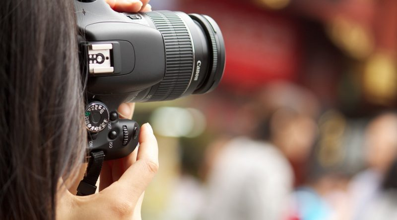 The 2 Best Inexpensive Video Cameras For Vlogging